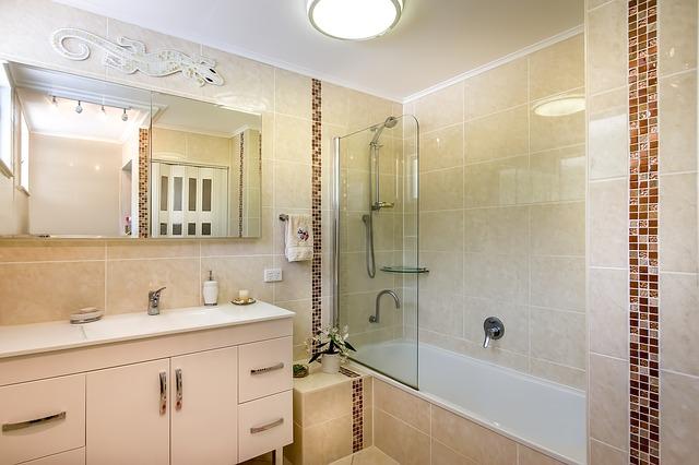Дизайн интерьера ванной комнаты - вертикальный рисунок