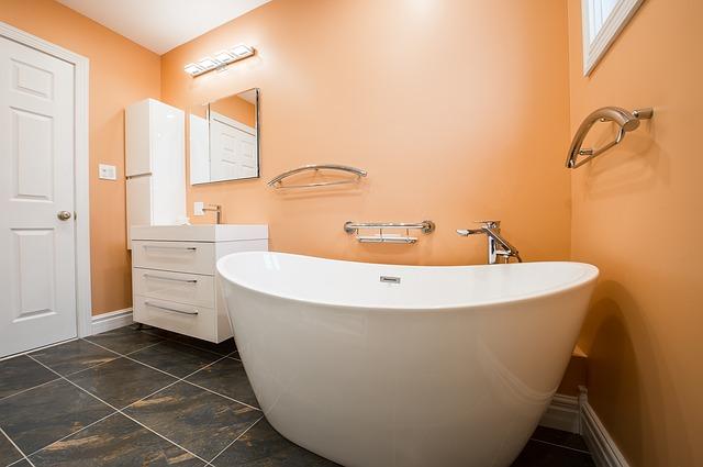 Дизайн интерьера ванной комнаты в оранжевом цвете краской
