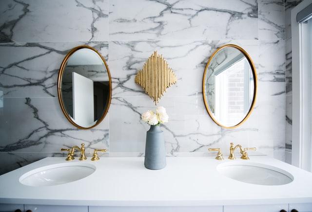 Дизайн интерьера ванной комнаты - мрамор