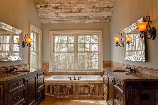 Дизайн интерьера ванной комнаты в стиле модерн