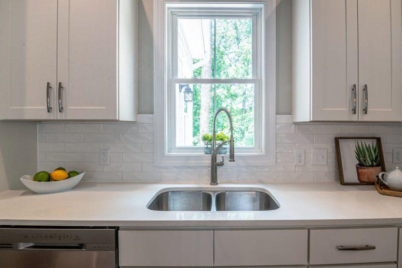 Дизайн кухни 12 кв.м. - минимализм