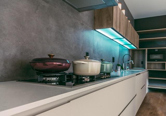 Дизайн кухни 12 кв.м. - футуризм