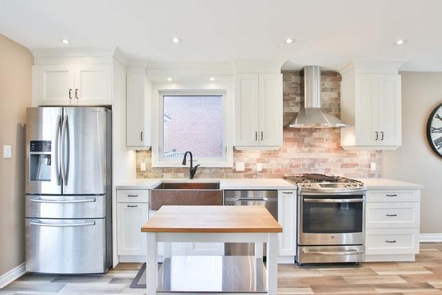 Дизайн кухни 12 кв.м. - линейная планировка